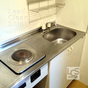 1K部屋キッチンの掃除後