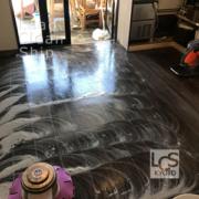 飲食店の床清掃前