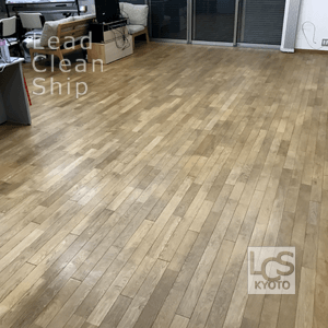 施設の床清掃前