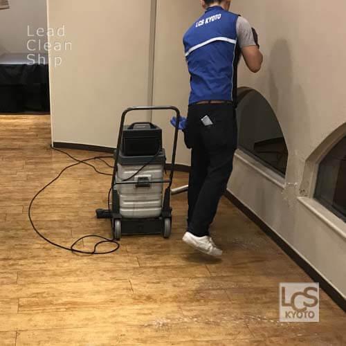 レストランの床清掃