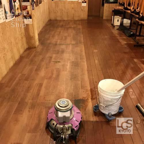 長岡京市の飲食店清掃中