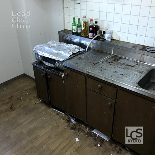 極度汚れキッチン