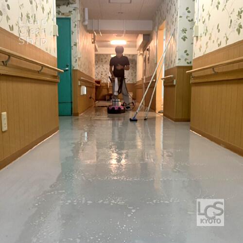 大阪府松原市の福祉施設の床面洗浄作業