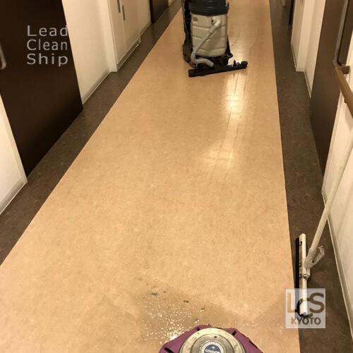 枚方市で床清掃