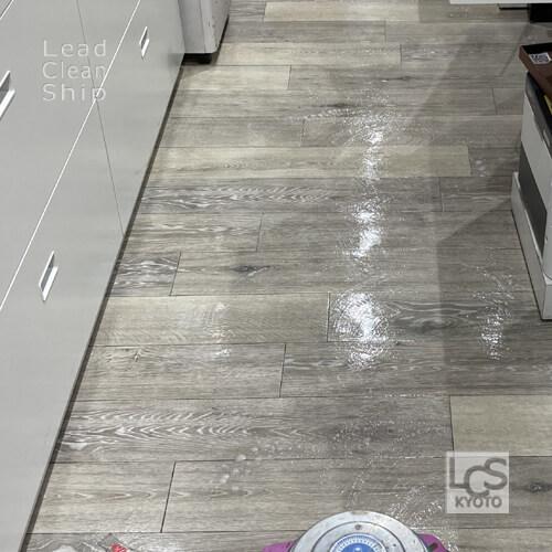 販売店舗さま床洗浄