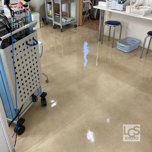 西京区の耳鼻科医院さま床洗浄ワックス2