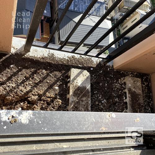 ベランダ丸洗い鳥糞除去前:向日市