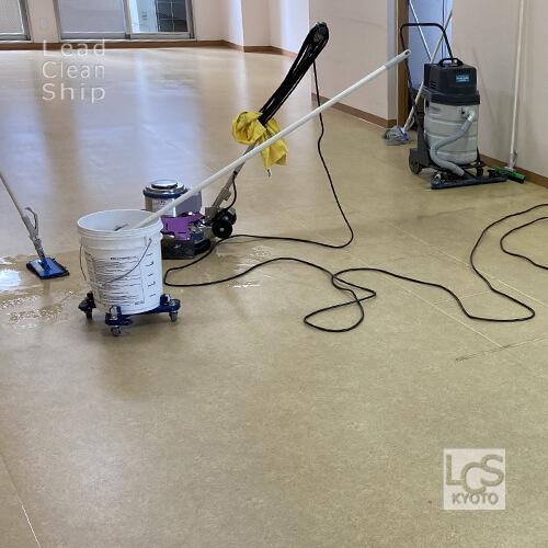 デイサービス施設さま床洗浄ワックス3