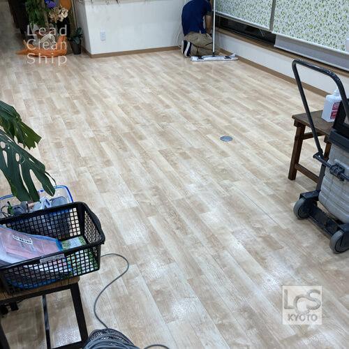 北区の福祉施設さま床洗浄1